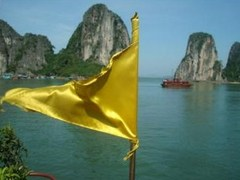 What to Expect from Visiting Ha Long Bay Vietnam; A Cruise through Paradise