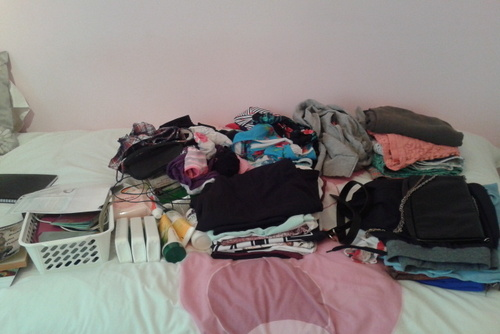 10 Items to AVOID Packing in Your Backpack