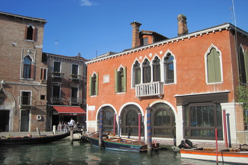 Hotel Dalla Mora - The Perfect Cheap Hotel to Stay in Venice