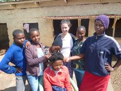 Volunteer in Kenya with Women