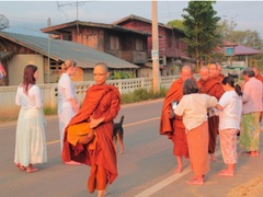 Thailand Buddhism Experience