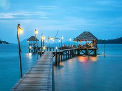 Incredible Honeymoon Destinations (That Won't Bury You In Debt)