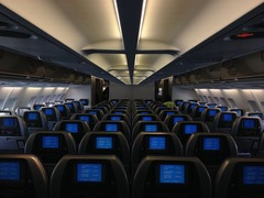 4 Ways In-flight Entertainment Has Advanced with New Technology