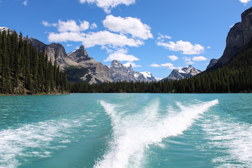 Top 5 Places to Visit in Alberta, Canada