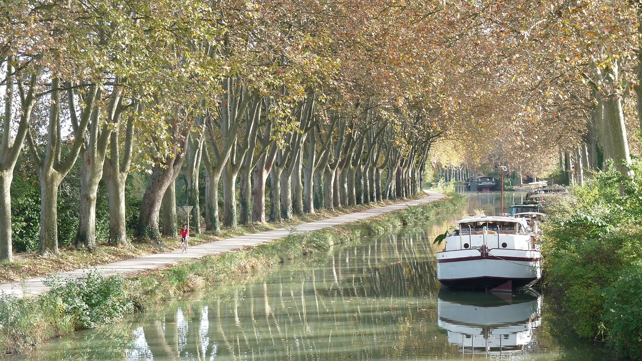 Best Places to Visit While Cruising on the Canal du Midi