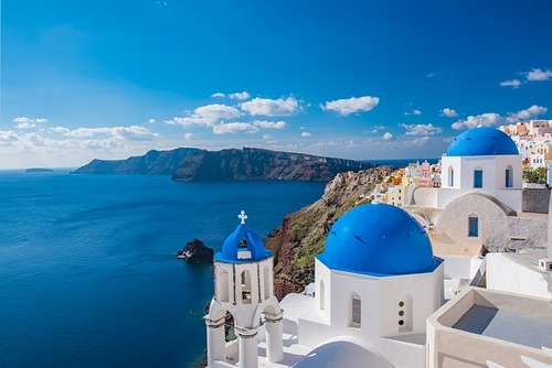Volunteer in Santorini