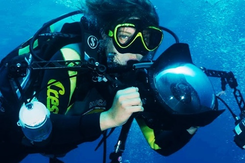 Ready, Dive, Action: Underwater Videography Training