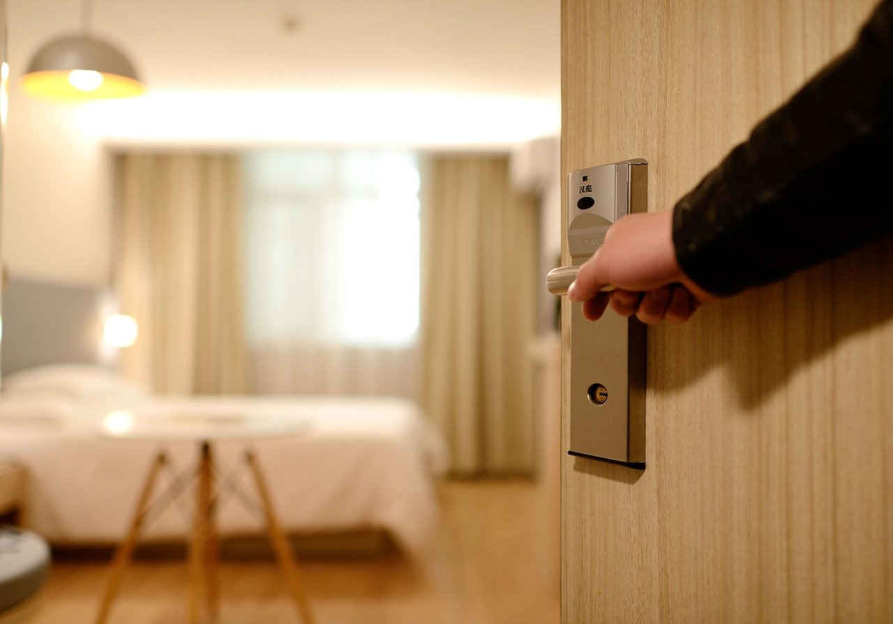 Airbnb vs. Hotels: What