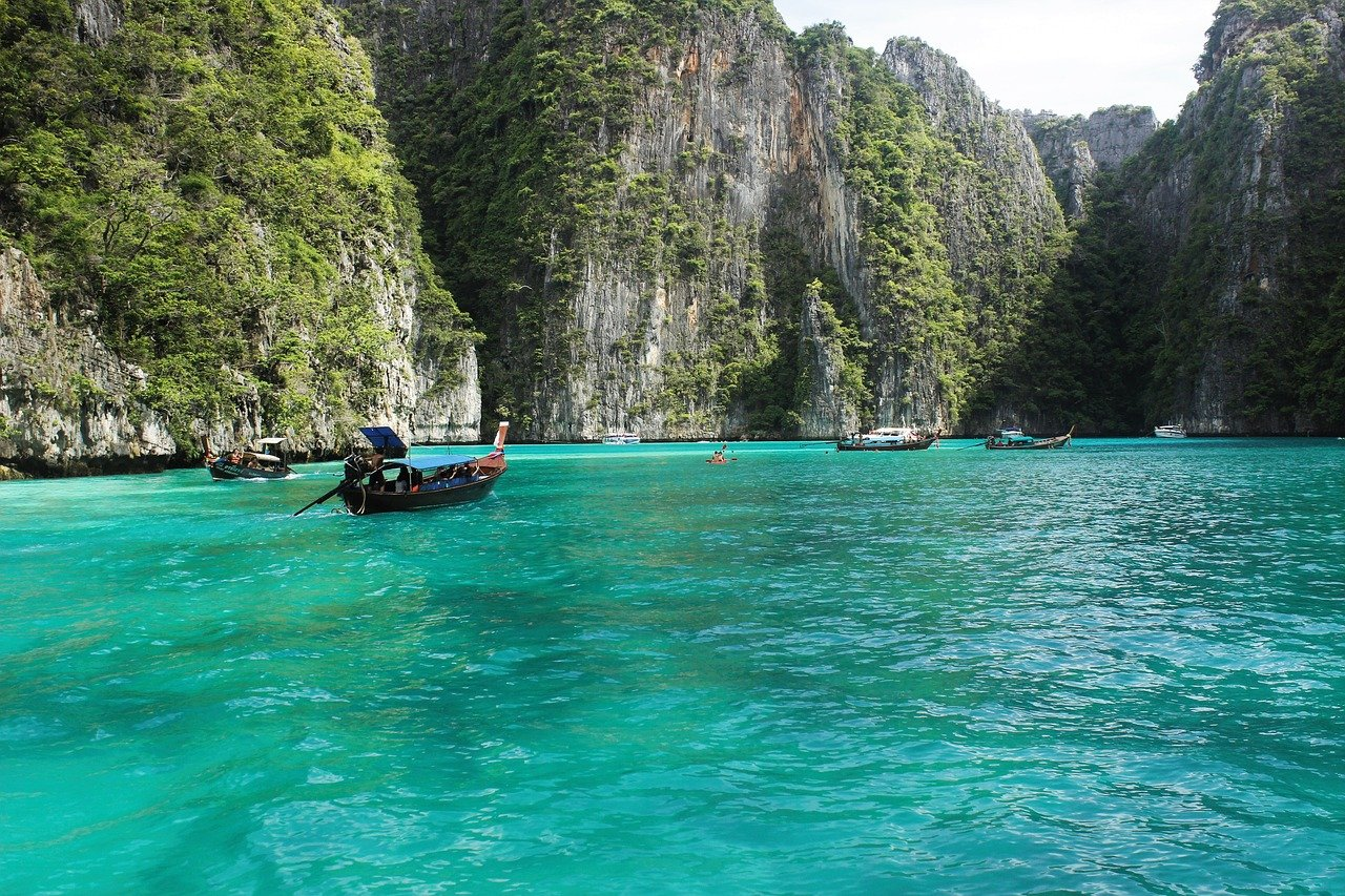 How To Travel To Thailand On A Budget