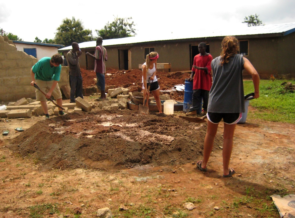 Building construction volunteer projects abroad - Free programs to build a house ...
