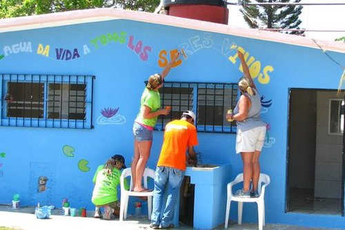 Family Volunteer Projects in Latin America