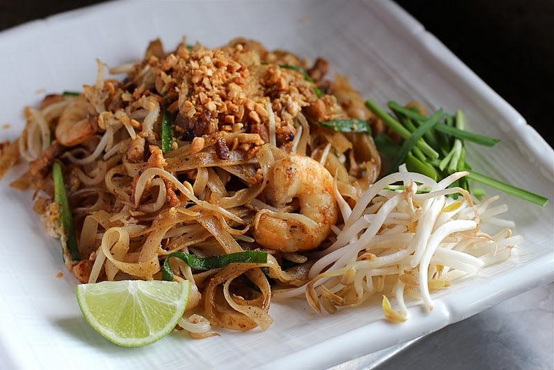 Must Things to Eat in Thailand - Pad Thai