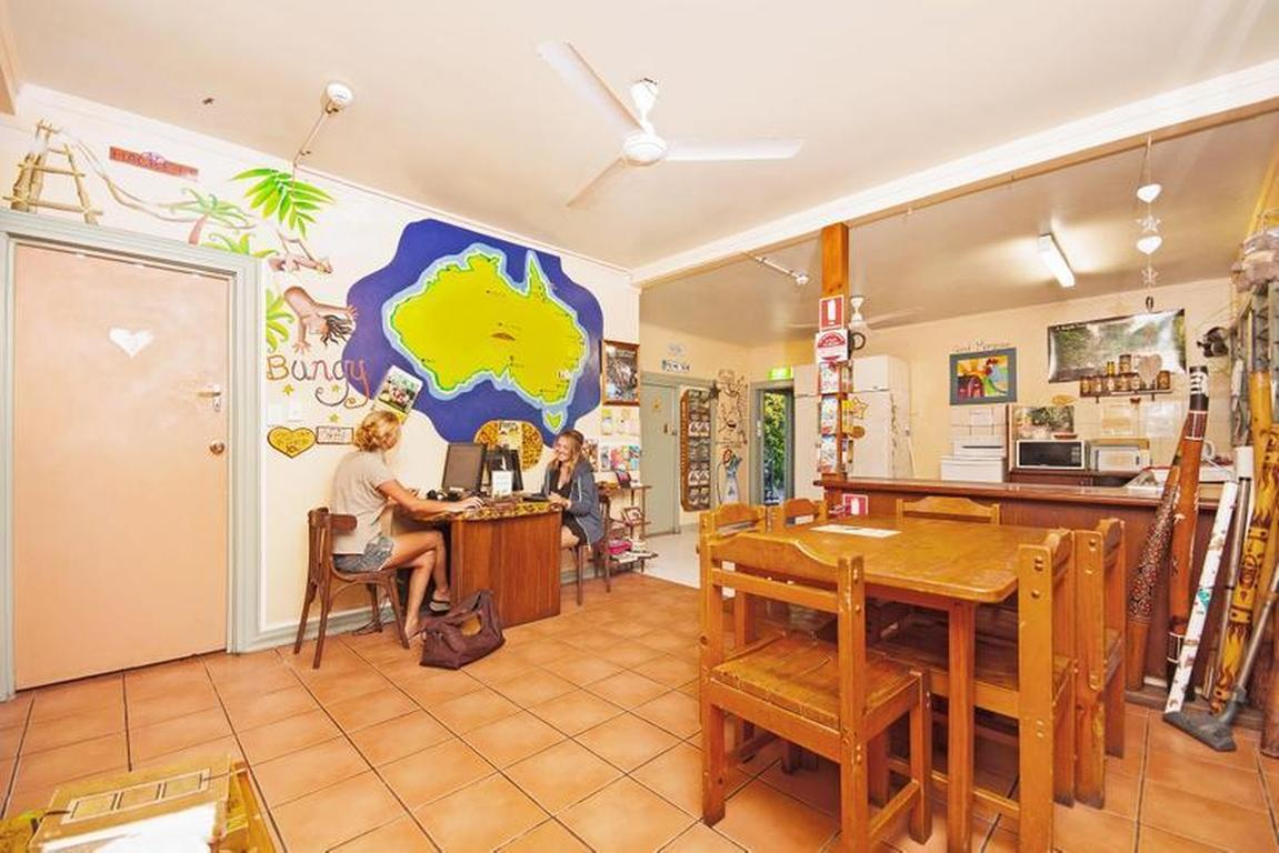 Tropic-Days-Backpackers-Cairns