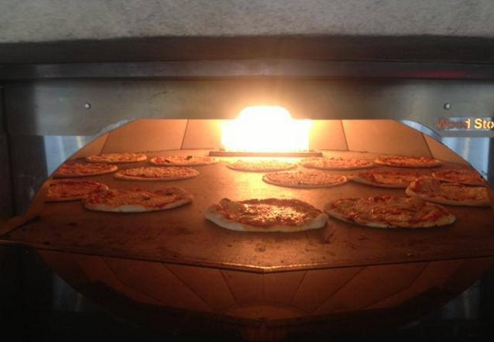 Best Places to Eat Out in London on a Budget - Pizza Union